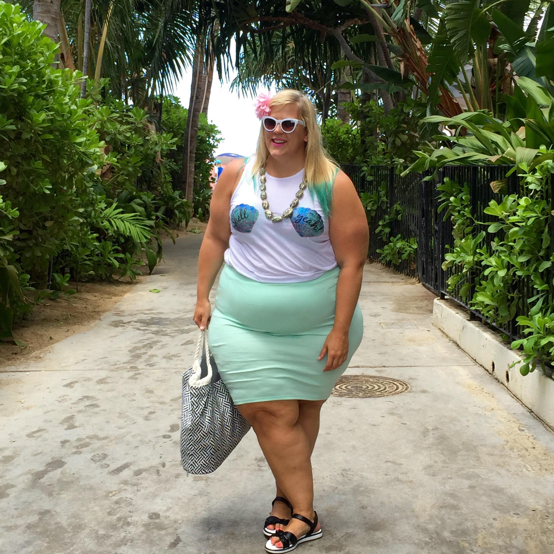218416d667931 Plus Size Fashion Blog Little Mermaid Fatkini Beach Disney Outfit 1